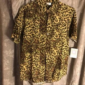 Lularoe Michael Leopard Animal Print Shirt NWT.